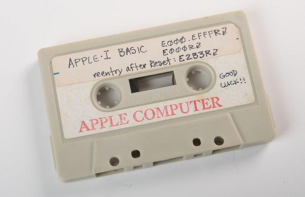 Нааукцион выставлен 1-ый компьютер откомпании Apple