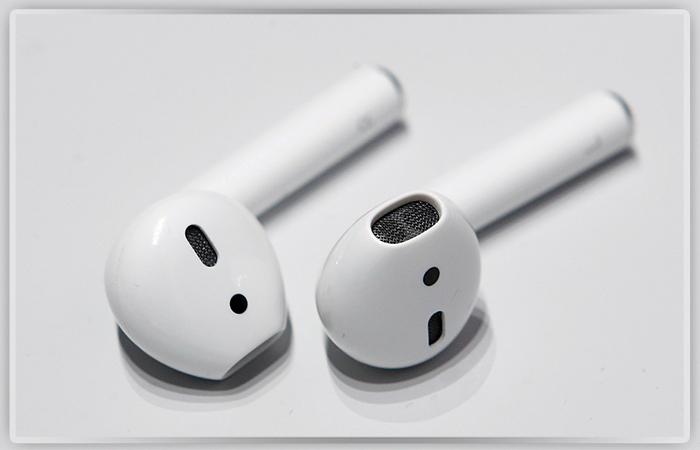 Apple официально отложила выход беспроводных наушников BeatsX доконца зимы наступающего года