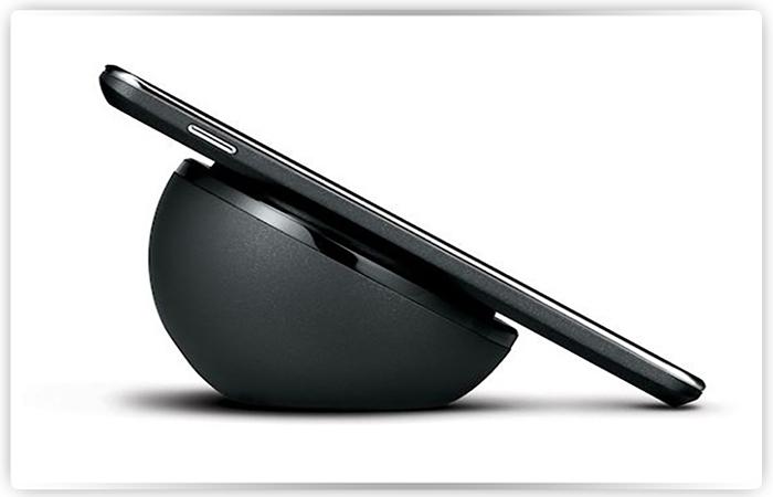 Новый iPhone 8 будет в 3-х основных цветах иплюс зеркальный