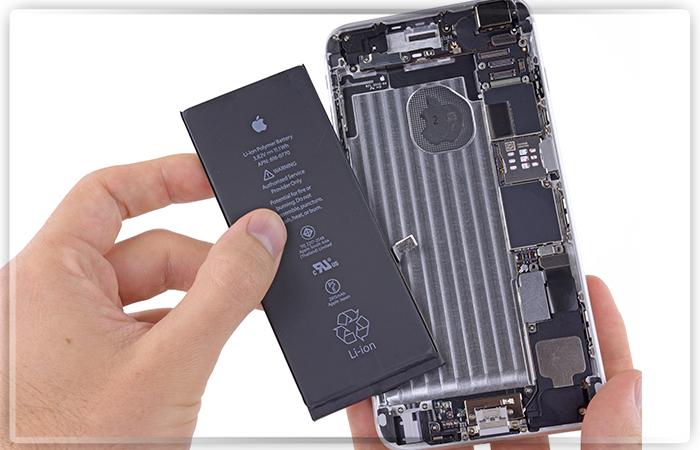 Руководства США иФранции выразили возмущение из-за намеренного замедления Apple собственных телефонов