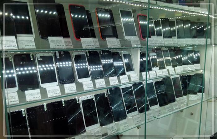 В РФ  массово скупают мобильные телефоны  — Новый рекорд